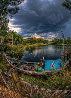 Disney's Animal Kingdom - Storm over Everest