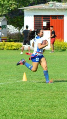 Perfil personal y profesional: Jugar Tocho Bandera Flag Football, Running, Sport, Personality Profile, Soccer Girls, Fitness Women, Sports, Deporte, Keep Running