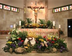 Easter Altar Decorations, Lent Decorations For Church, Church Ideas, Altar Design, Church Design, Altar Flowers, Church Flowers, Catholic Easter, Alter Decor