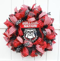Georgia Wreath, Georgia Bulldogs Wreath, Dawgs Wreath, University of Georgia Wreath, Bulldogs Wreath Wreath Boxes, Wreath Ideas, Diy Wreath, Football Team Wreaths, Sports Wreaths, Easter Wreaths, Fall Wreaths, Christmas Wreaths, Georgia Bulldog Wreath