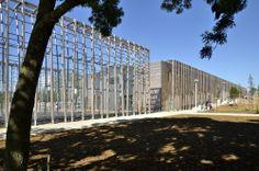 5314d5a8c07a80b93f0000d2_la-queue-du-le-zard-community-center-rue-royale-architectes_philippe_maillot_8.jpg (2000×1325)