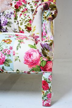 Pink Floral Chair via House Beautiful.