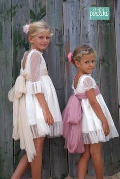 pikiliki   Arras Cute Little Girls Outfits, Little Girl Dresses, Kids Outfits, Flower Girl Dresses, Wedding Girl, Wedding With Kids, Baby Dress Patterns, Classic Outfits, My Baby Girl