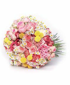 LUCIASECASA.- ramo de margaritas, claveles italianos y rosas ramificadas en varios tonos de The WorkShop Flores.