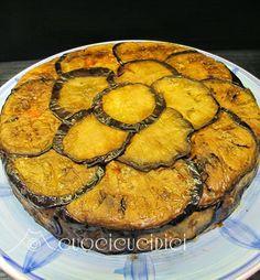 """""""Timballo di melanzane alla Norma"""", la ricetta di Flavia del blog """"Cuoci cuci dici"""" http://cuocicucidici.blogspot.it/2014/07/timballo-di-melanzane.html"""