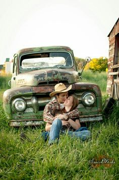 Old truck wedding pic