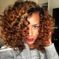 Create Heatless Wand Curls Using Flexirods  - #heatlesscurls #heatless #seriously #naturalhair #seriouslynatural - Bellashoot iPhone & iPad apps; Bellashoot.com (mobile-friendly)