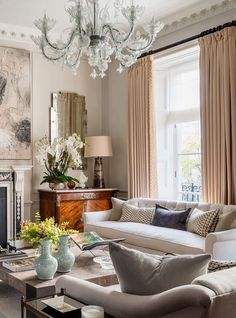 Beautiful side board and large-format art. Low sofa and a luxurious drapery. A big chandelier . Classic Living Room, Elegant Living Room, Beautiful Living Rooms, Formal Living Rooms, Living Room Modern, Home Living Room, Living Room Designs, Living Spaces, Barn Living