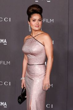 View and license Salma Hayek pictures & news photos from Getty Images. Salma Hayek Style, Salma Hayek Body, Salma Hayek Pictures, Selma Hayek, Korean Beauty Girls, Prettiest Actresses, Indian Actress Hot Pics, Bollywood Girls, Lingerie Dress