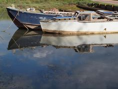 Abandoned boats on Sharps Green bay on the river medway [shared]