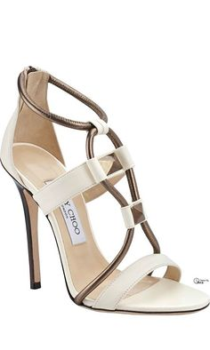 I'm so taken back by how bold and beautiful these simple ivory wedding #shoes look. Less seems like way more with these charming designer wedding #shoes.