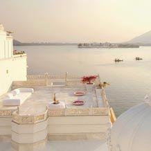 Taj Lake Palace, Udaipur, India. Beautiful!