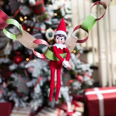 Get Arrival Ideas to Inspire Your Elf's Return The Scout Elves are eagerly awaiting their epic returns to their families this season! From airplane arrivals to top-secret Noth Pole messages, see some of the exciting elf arrival ideas Christmas Countdown, Elves At Play, Elf Pets, Awesome Elf On The Shelf Ideas, Christmas Decorations, Holiday Decor, Christmas Activities, Christmas Elf, The Elf