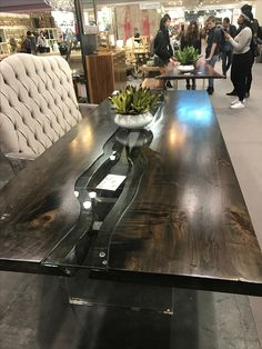 River table # spalled maple#slab#designerfurniture#custommade#obeifakind#reverseliveedge#glass