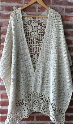 Image only of crochet shawl with floral mesh ends and back panel.Crochet Patterns Poncho and more :)and extra :) - Best Knitting Pattern Poncho Crochet, Mode Crochet, Poncho Knitting Patterns, Crochet Shawls And Wraps, Shawl Patterns, Crochet Scarves, Crochet Clothes, Crochet Stitches, Crochet Patterns