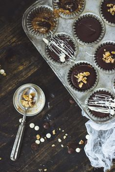 chocOlate peanut butter cups with almond butter