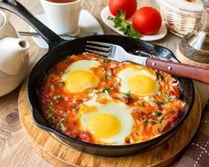 Shakshuk - ideal for a hearty breakfast. In fact, it's eggs, baked in tomato sauce Egg Recipes, Cooking Recipes, Breakfast Photo, Bulgarian Recipes, Good Food, Yummy Food, Egg Dish, Cooking Together, Food Pictures