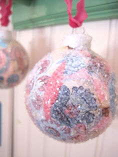 If you need a easy and fun project to   do this holiday season you should   try this one out! All you need are   a few simple ingredient...