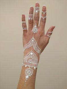 Mehndi byFarrah Portfolio Henna Tattoo Hand, Henna Tattoo Muster, White Henna Tattoo, Henna Ink, Simple Henna Tattoo, Henna Tattoo Designs Simple, Beginner Henna Designs, Henna Designs Easy, Hand Mehndi