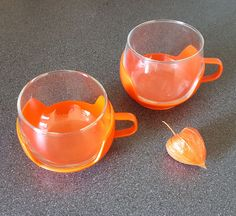Retro tea cups (set of 2), glass with plastic holder #retrohomedecor