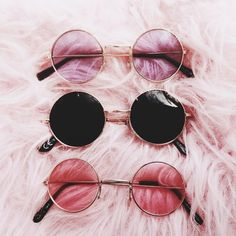 38 ideas for clothes pink sunglasses Stylish Sunglasses, Cat Eye Sunglasses, Round Sunglasses, Sunglasses Women, Summer Sunglasses, Tumblr Mode, Lunette Style, Cool Glasses, Fashion Eye Glasses