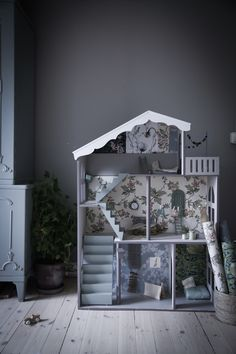 Lovely dollhouse in the home of Anna Kubel