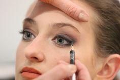 Séance maquillage avant shooting à Nailloux