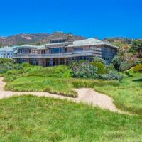 Celebrity rentals: Steven Spielberg's home is for rent at 125,000 per month.