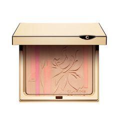 Palette Eclat Poudre teint et blush de Clarins http://www.vogue.fr/beaute/en-vue/diaporama/blush-de-podium/11268/image/660416#palette-eclat-poudre-teint-et-blush-de-clarins