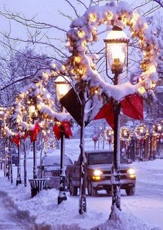 Old-time lampposts with Christmas decorations <3