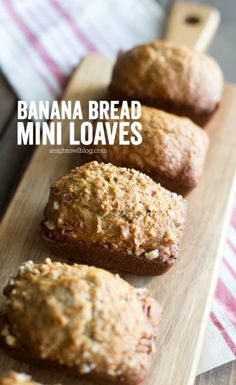 These Banana Bread Mini Loaves can be made with just one bowl and one pan! So easy and delicious! These Banana Bread Mini Loaves can be made with just one bowl and one pan! So easy and delicious! Mini Banana Bread Recipe, Loaf Bread Recipe, Banana Bread Cake, Easy Banana Bread, Loaf Recipes, Easy Bread, Banana Bread Recipes, Bread Food, Fun Recipes