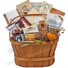 Country Living 2017 Gourmet Gift Baskets, Canada, Corporate Gifts, Country Living, Fresh Fruit, Gourmet Recipes, Food, Country Life, Promotional Giveaways