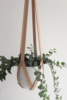 Plant hanger leather