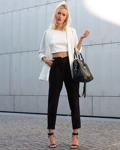 street-style-misturando-cropped-branco-com-calca-preta