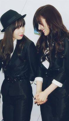 Taeyeon&Tiffany #snsd #taeny