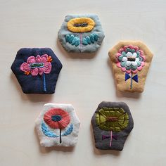 [Envelope Online Shop] Flower Embroidery broach the linen bird HOUSE & HOME New