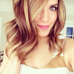 gorgeous loose waves for shoulder length hair
