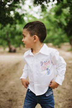 3. This handsome little guy wearing our super comfy White Shirt ✨ Detailed with a hand-sewn Alebrije left pocket 😋🐸🌟#FW17 #WearableLove #BeDifferentSparkleUp #Pirronis #childrenswear #babyclothes #kidswear #children #babies #kids #clothing #shop #boy #girl #babyboy #babygirl #pregnant #mom #dad #fashion #kidsfashion #nyc #jrz #elp #colorful #newyork #ny #FW17 #family #organiccotton