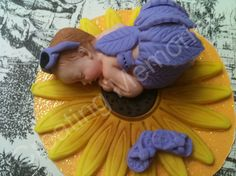 Sunflower Baby Cake Topper made of vanilla fondant you choose the colors great to finish your home made cakes