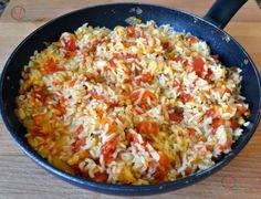 Arroz pilaf con tomate en conserva.