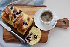 Ciasto drożdżowe z serem i owocami