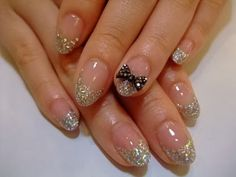 Glitter french tip.