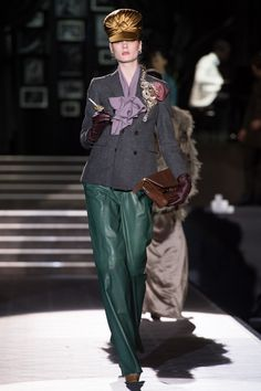 Dsquared2 Fall 2013 Ready-to-Wear Fashion Show - Irina Kulikova
