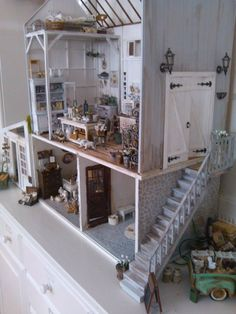Doll house by KariMette Falstad Tvedt Mini Doll House, Toy House, Dollhouse Dolls, Dollhouse Miniatures, Dollhouse Ideas, Miniature Houses, Miniature Dolls, Miniature Furniture, Dollhouse Furniture
