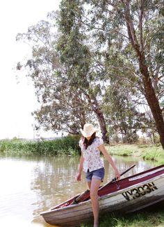 Tan agradable remar,  pasear en bote!!