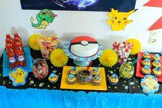 Ideen für eine Pokemon oder Pokemon go Geburtstagsparty. Mit Essen,Trinken und einem tollen Sweet Table. Viele Dekoideen für eine super Pokemon Geburtstagsfeier. Pokemon Go, Pokemon Party, Pokemon Birthday, Photo Booth Setup, Birthday Party Themes, Happy Birthday, Diy Party, Party Ideas, Party Food And Drinks