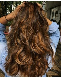 balayage bruin haar 49 Beautiful Light Brown Hair Color To Try For A New Look - Fabmood Brown Hair With Caramel Highlights, Brown Hair Balayage, Balayage Highlights, Auburn Balayage, Caramel Blonde, Brunette Highlights, Caramel Balayage, Bayalage, Color Highlights