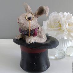 Купить Шкатулка Белый кролик страна чудес Статуэтка - композиция для интерьера, композиция, кролик, статуэтка