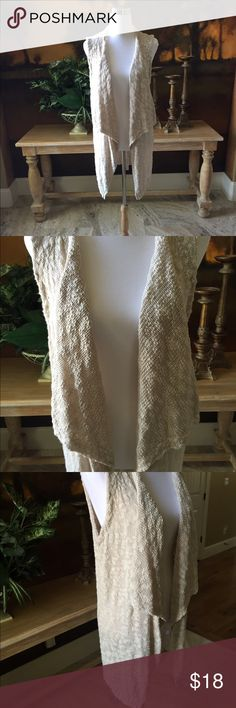 Sleeveless Sweater by Mossimo Sleeveless knit sweater in excellent condition. Very soft and comfortable. No pet/non-smoking home. Sweaters Cardigans