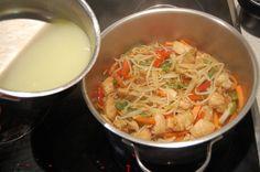 Durante todo este tiempo he subido muchas recetas de comida china que solemos pedir en los restaurantes pero me faltaba una de mis preferidas, el chop suey de pollo. Esta receta es más que nada un …